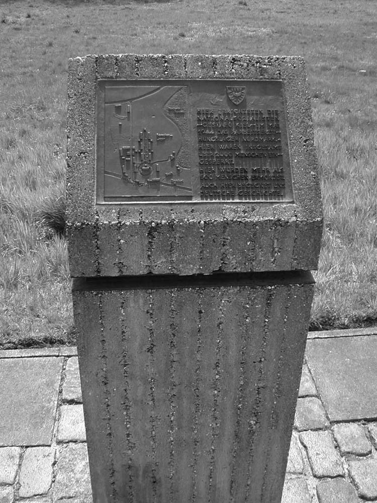 Gedenkstein 1985, Kiel